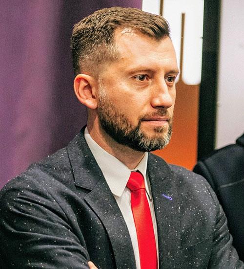 Артем Донець