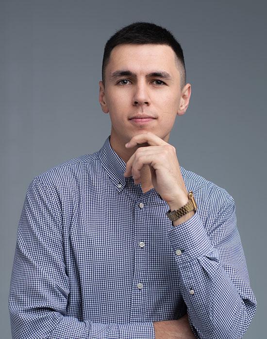 Влад Некрутенко