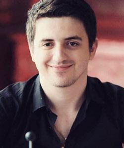 Константин Зеров